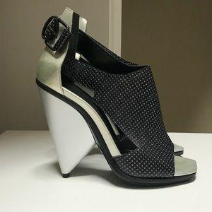 Balenciaga nwt runway heels 38.5 guesquiere!